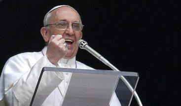 El papa critica la idolatría de la riqueza ante jóvenes católicos de Asia