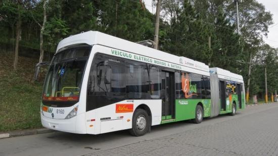 Primer autobús eléctrico a baterías moviliza a 135,000 personas en 10 días