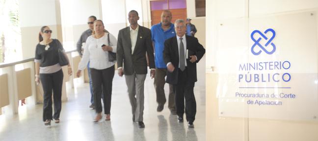 Regidores ayuntamiento SFM se querellan contra Alcalde por amenazas