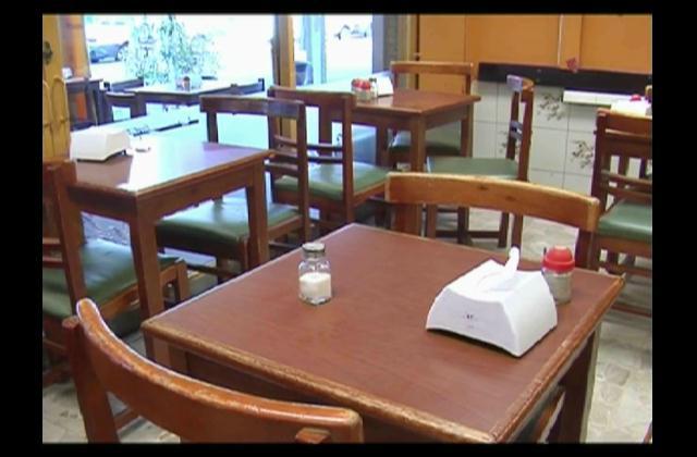 Prohíben uso de saleros en mesas de bares y restaurantes