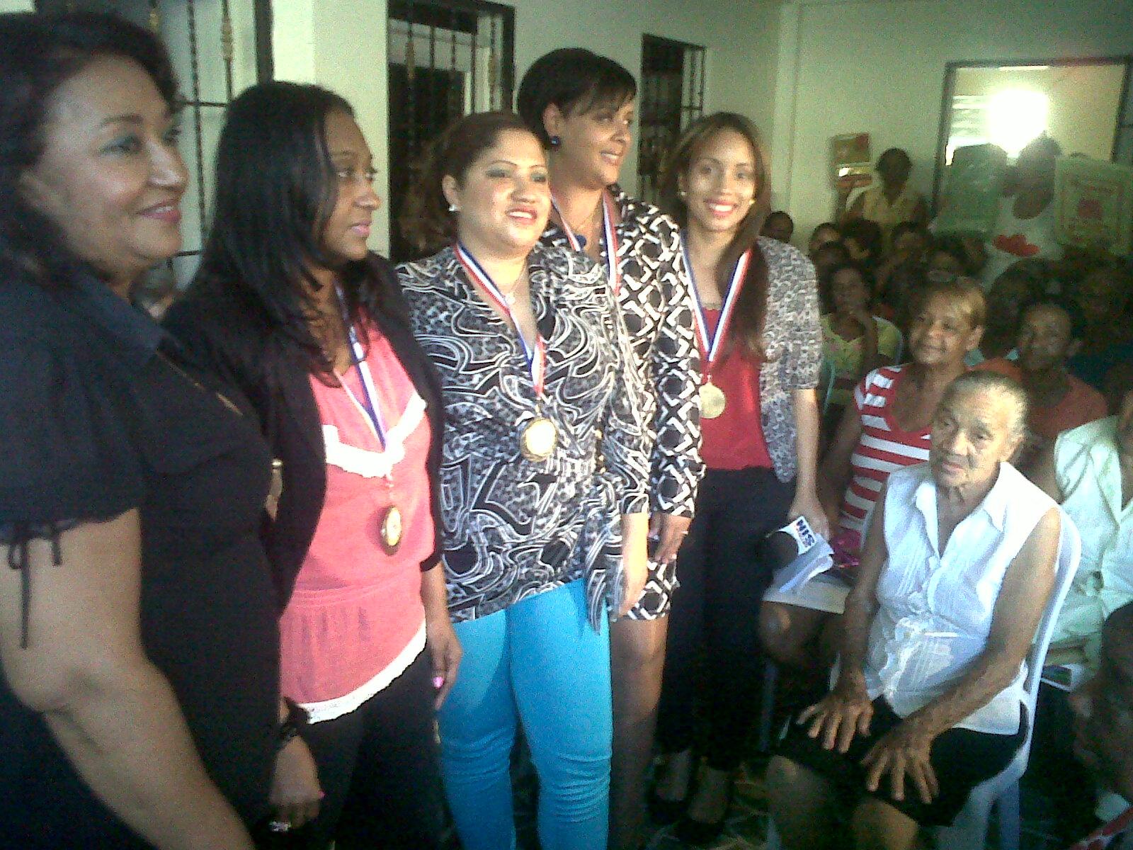 Junta de Desarrollo Gualey reconoce a mujeres en su día