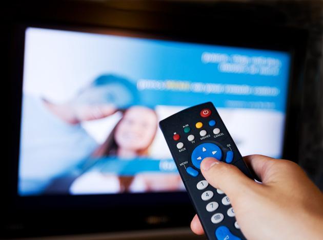 Expertos critican crisis de contenido en la televisión dominicana