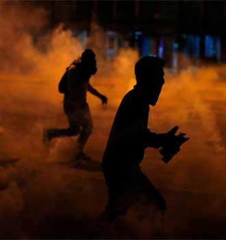 Asesinan a 2 personas en Caracas mientras recogían escombros de las protestas