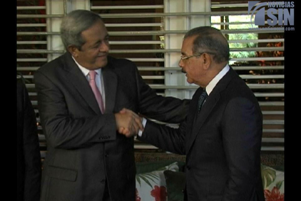 Presidente Medina dice trabaja con calma en proyecto de ley de naturalización