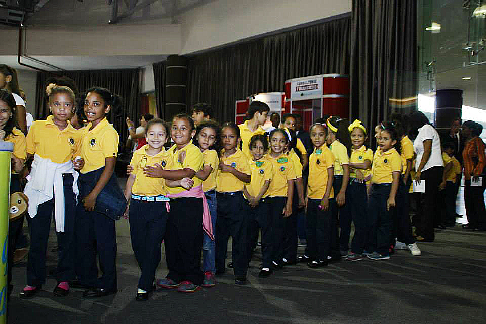"Clausuran ""I Feria de Educación Financiera Santo Domingo 2014"""