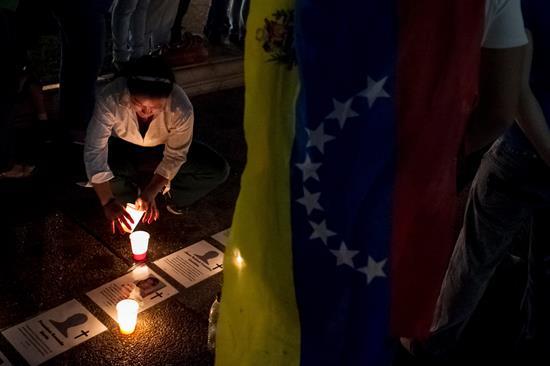 Gobierno y oposición de Venezuela aguardan el inicio del diálogo