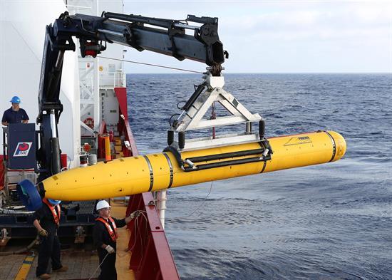 Minisubmarino termina primera misión en busca avión desaparecido