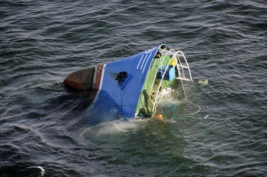 Se suicida subdirector de instituto rescatado del naufragio surcoreano