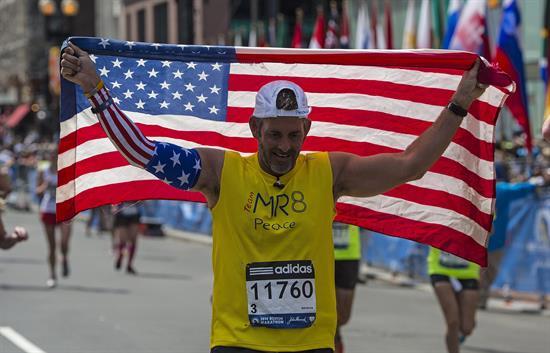 Fotos: Boston vuelve a correr su maratón un año después de atentados