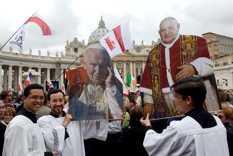 Son declarados santos Juan XXIII y Juan Pablo II