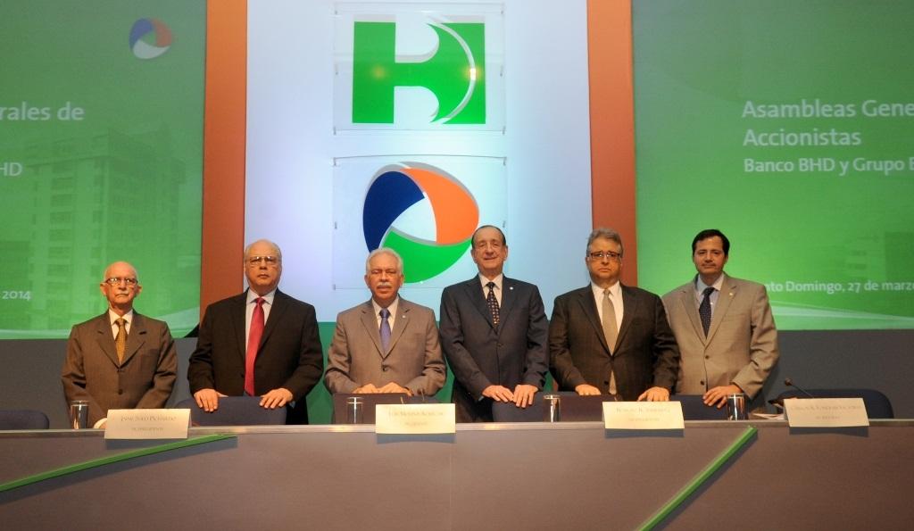 Asamblea aprueba fusión BHD con el Banco León