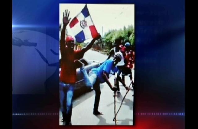 Senadores califican de inaceptable ultraje a bandera dominicana por haitianos