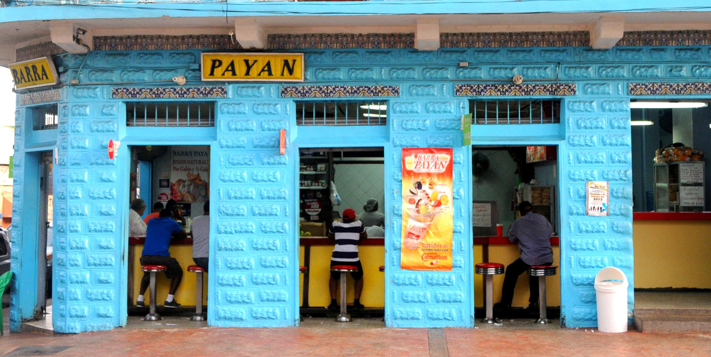 Cierran Barra Payán por falta de pago de impuestos