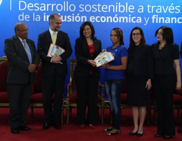 Vicepresidenta inicia campaña de educación financiera