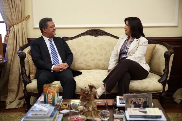 Leonel Fernández se reúne con Margarita Cedeño en el Palacio Nacional