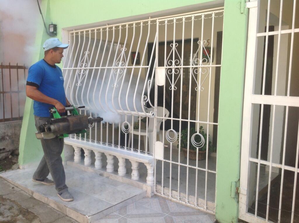 Fumigan municipio de Nigua para evitar propagación de Chikungunya