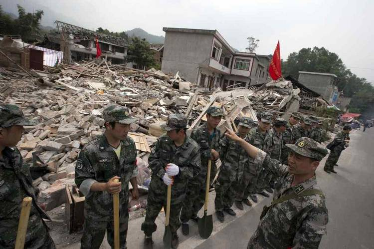 Heridos y 21.000 evacuados por un terremoto de 5,3 grados en China