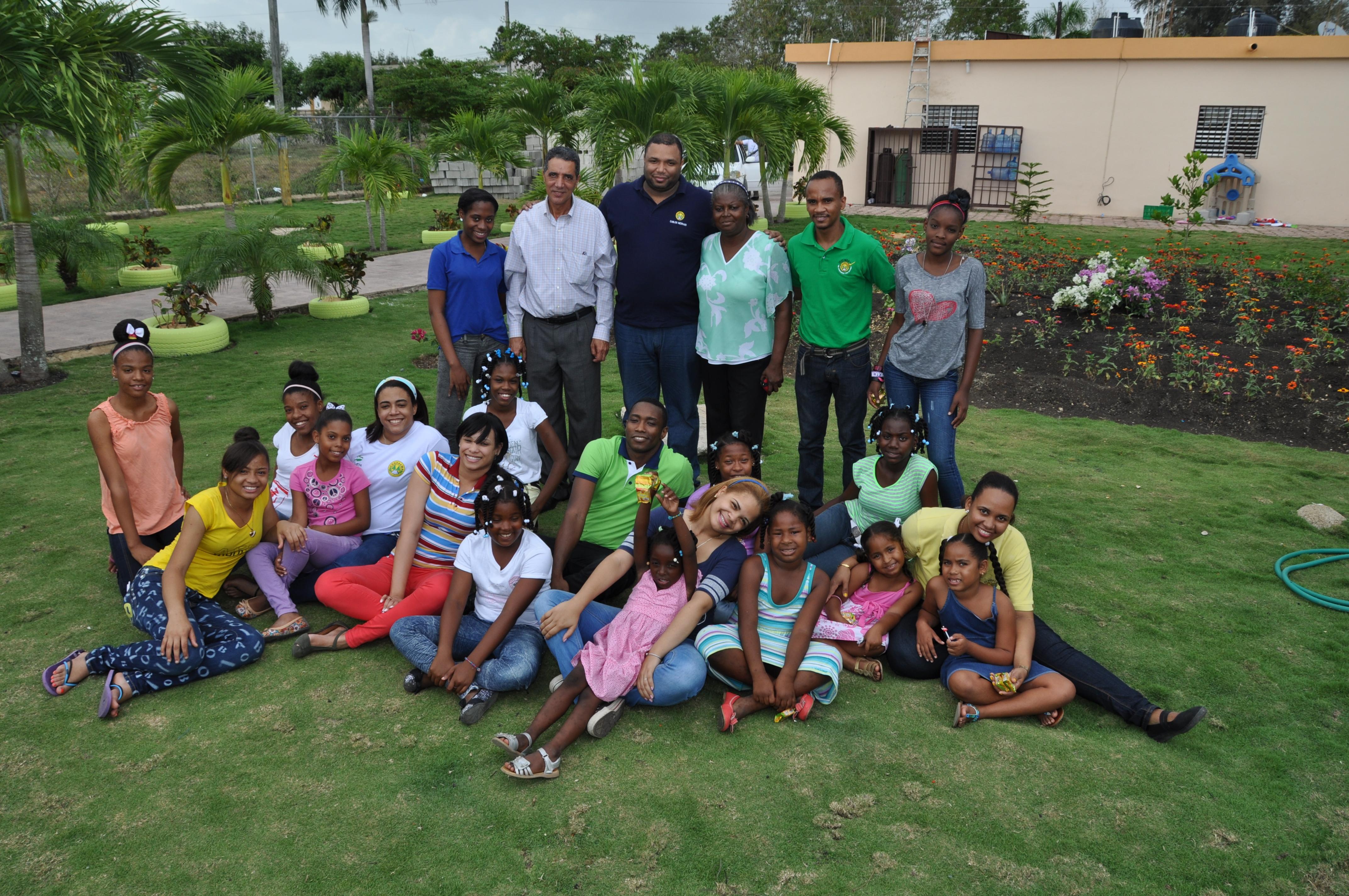 Jóvenes realizan actividades en respaldo a sectores del país