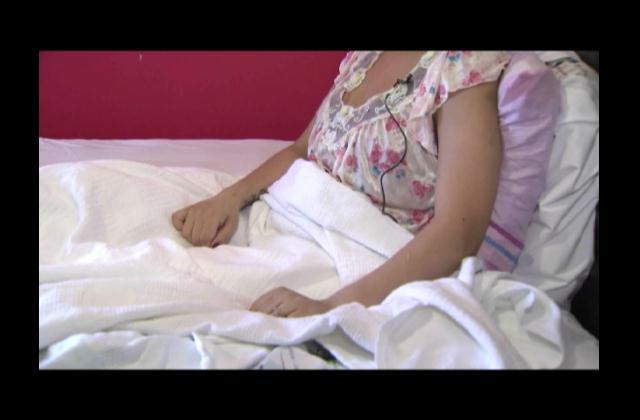 Mujer en NY denuncia negligencia médica tras someterse a cirugía plástica en RD
