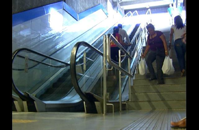 Escaleras y ascensores de algunas estaciones de la primera línea del metro siguen dañadas