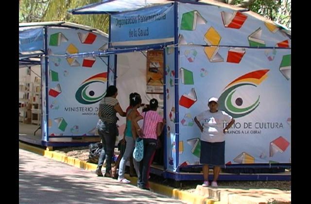 Califican de positivo primer día de XVII Feria Internacional del Libro