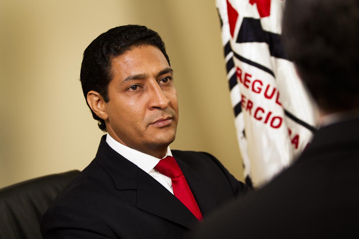 Comisión de Defensa Comercial asiste a entrenamiento en México