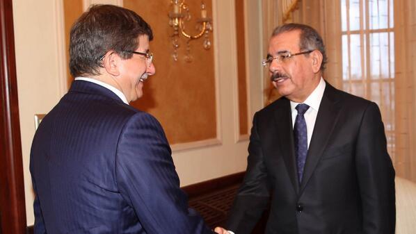 Presidente Medina recibe al canciller de Turquía