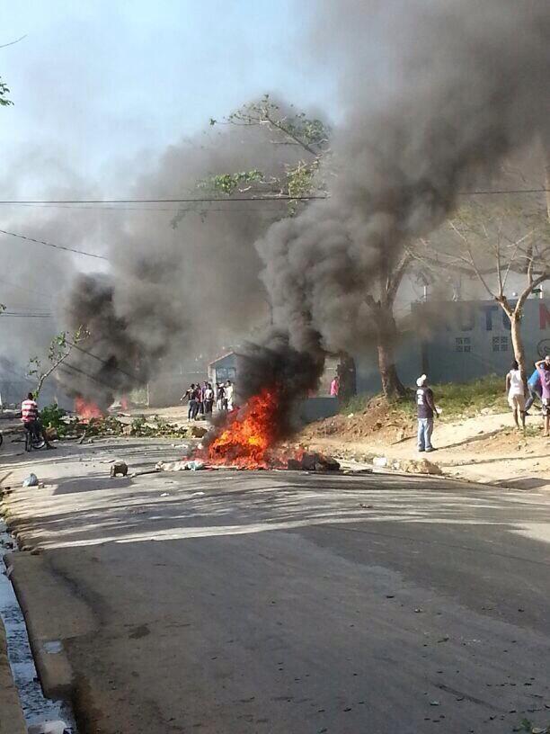 Se lanzan a las calles en la provincia La Altagracia; agentes policiales colocados en varios puntos