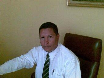 Muere abogado tras ser atacado a tiros en Santiago