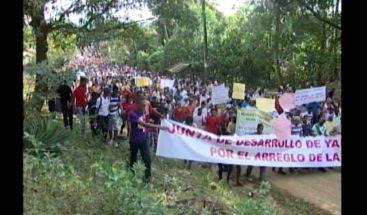 Yamasá se lanza a las calles reclamando construcción de sus calles