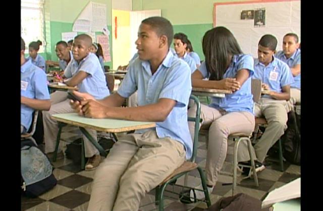 Como cifra récords definen asistencia de estudiantes a centros educativos
