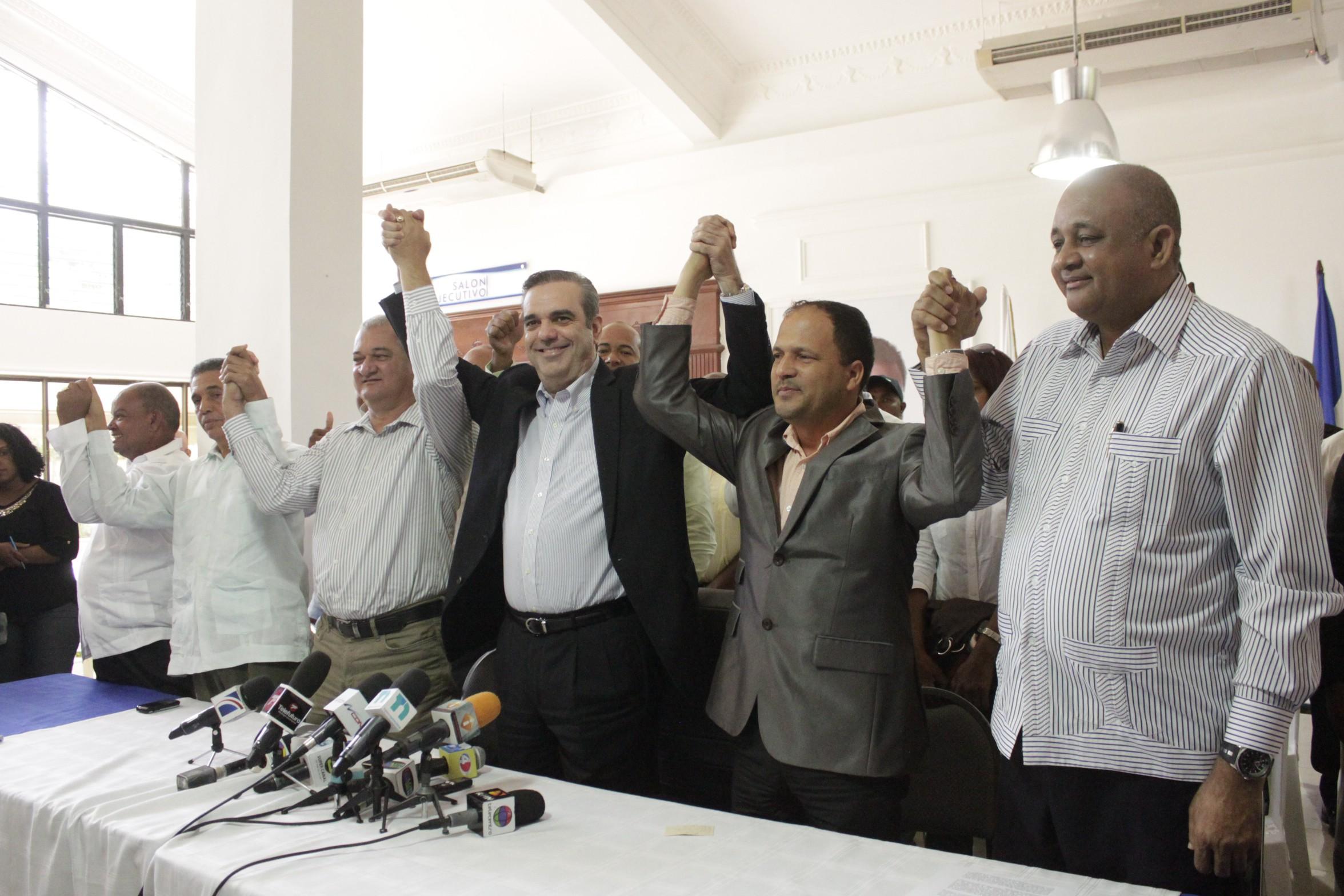 PRM escoge comisiones para evaluar gestión de Danilo Medina