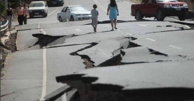 Habitantes de norte chileno pierden la calma por lenta ayuda tras terremoto
