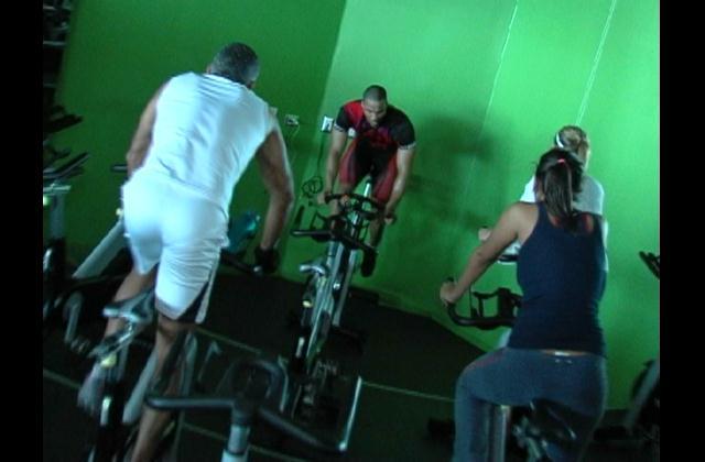 Darle a los pedales de forma correcta le puede dar un cuerpo fitness