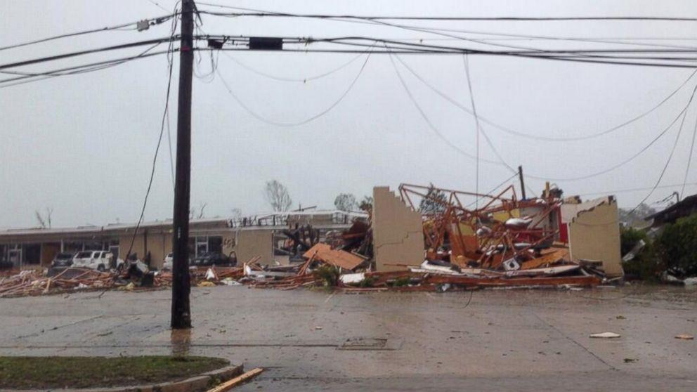 Misisipi, Tennessee y Alabama en alerta por más tornados
