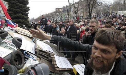 Prorrusos toman otro Ayuntamiento en la región ucraniana de Donetsk