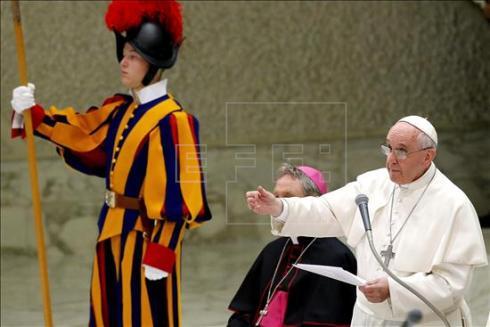 Papa pide perdón por abusos sexuales a niños por parte de sacerdotes