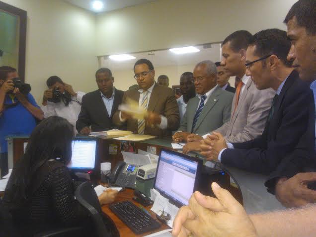 Gómez Mazara acude al TSE para exigir garantías en convención PRD