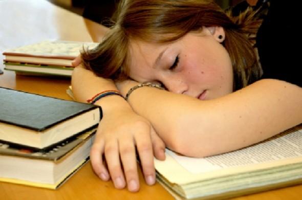 El dormir beneficia el desarrollo cerebral de los jóvenes, según estudio