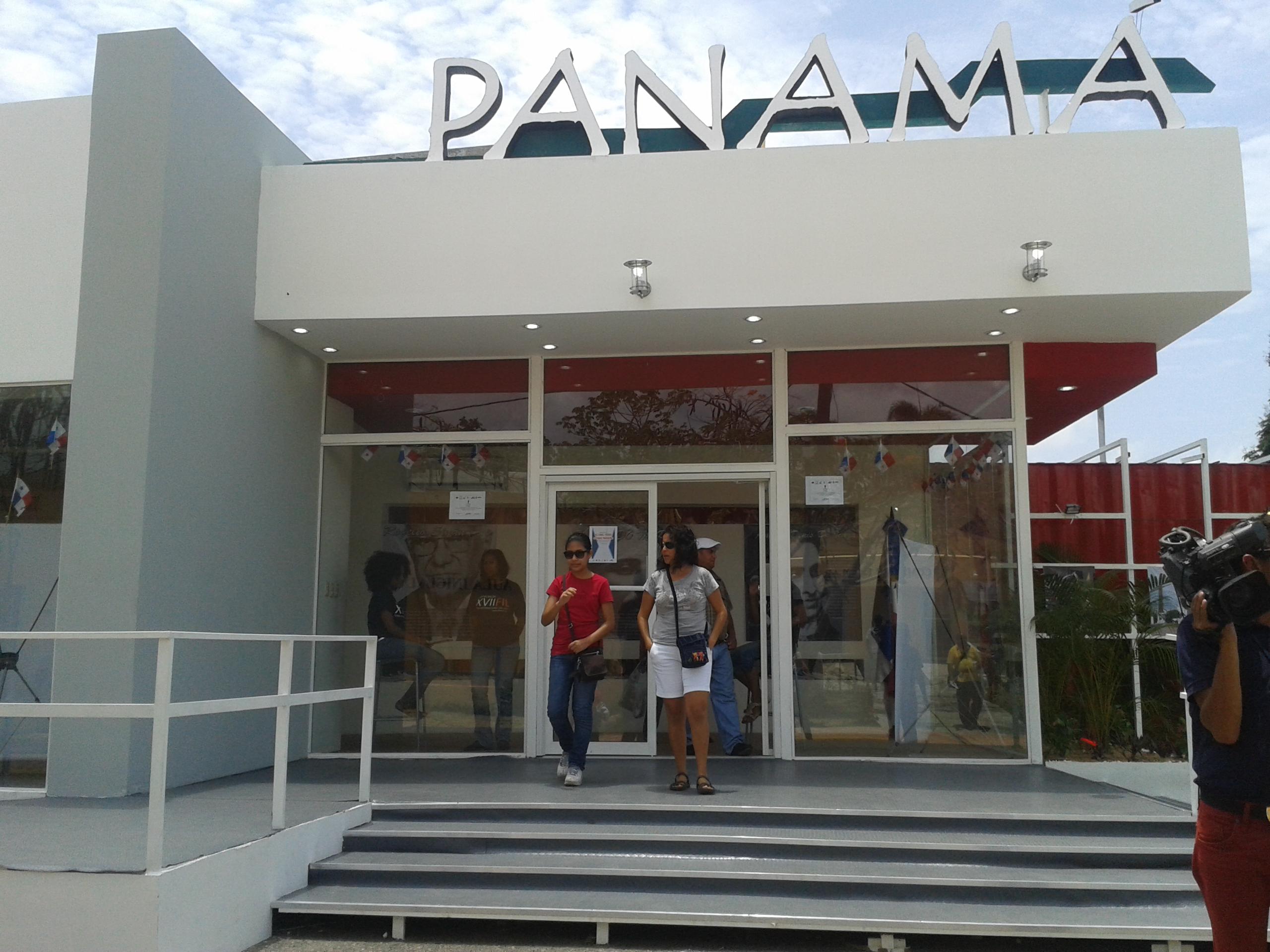 Panamá expone sobre metro, Canal y literatura en Feria del Libro