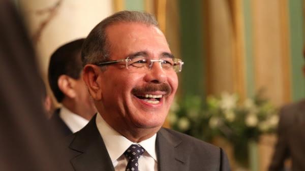 Danilo Medina felicita atletas galardonados por ACD