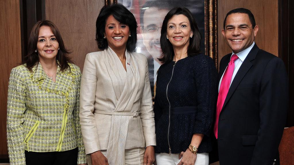 Previo viaje a Roma, Primera Dama recibirá Premio Humanitario 2014 en Nueva York