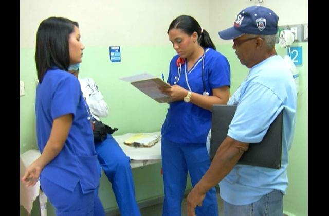 Incrementan personal médico en hospitales durante asueto de Semana Santa