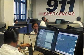 Gobierno se reúne con telefónicas para mantener cooperación del 911
