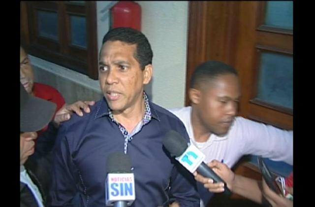 Cirujano plástico Edgar Contreras califica de ilegal suspensión de su exequátur