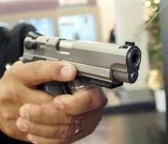 Policía mata presunto asaltante en sector Los Guandules