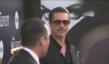 Golpean a Brad Pitt en la cara