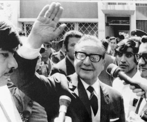 Libro sobre Salvador Allende aborda datos inéditos de su vida sentimental