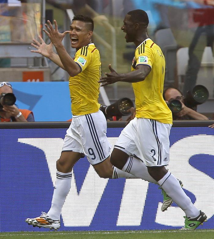 Santos y Zuluaga, concentrados en el partido Colombia-Grecia del Mundial
