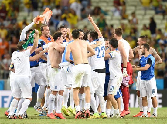1-4 Colombia culmina trayecto impecable, acaba primera y echa a Japón